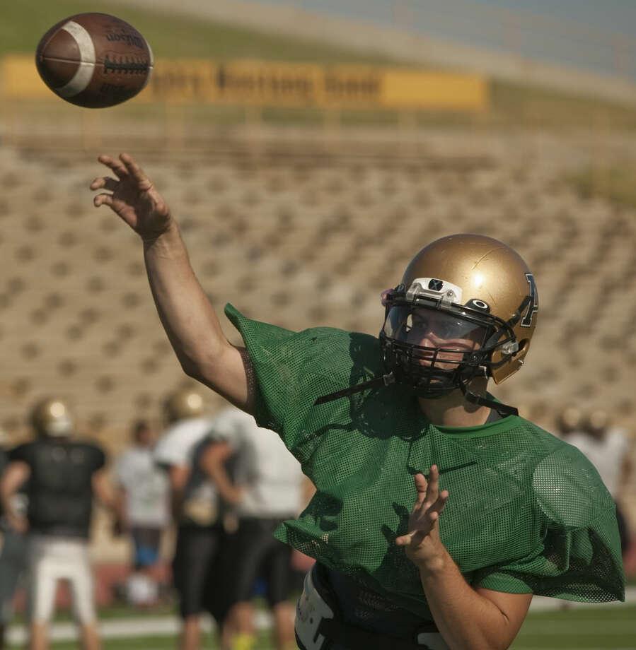 Andrews' QB Jase Hammack throws a pass Friday during practice. Tim Fischer\Reporter-Telegram Photo: Tim Fischer