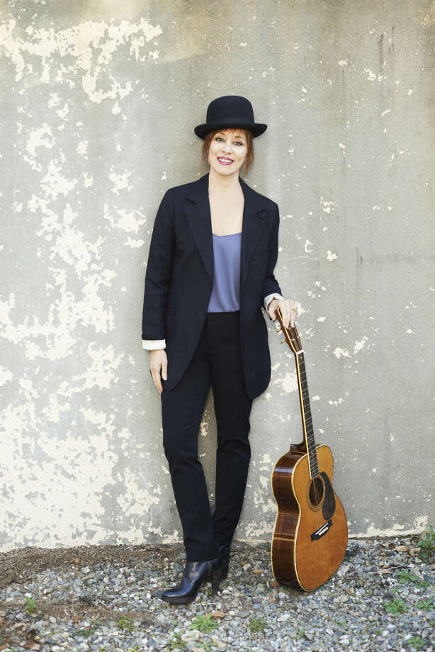 Suzanne Vega Photo: George Holz