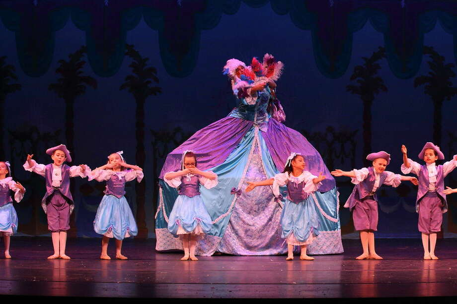"Michael Fields as Mother Ginger in Midland Festival Ballet's 2014 production of ""The Nutcracker."" (Leavethecamera.com) Photo: Courtesy Photo"