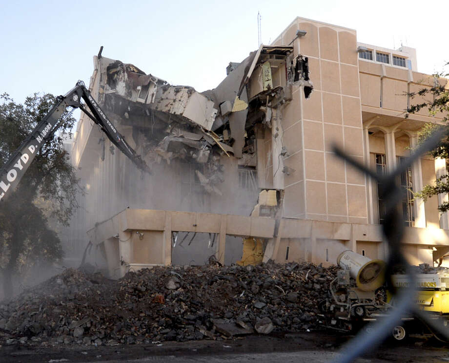 Demolition of the old Midland County courthouse photographed Wednesday, Nov. 18, 2015. James Durbin/Reporter-Telegram Photo: James Durbin