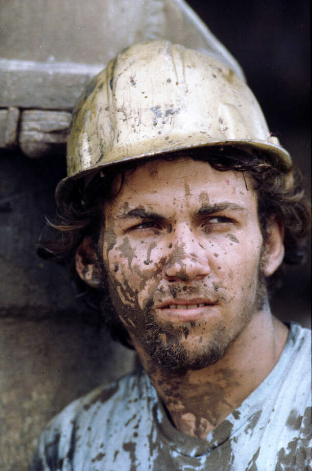 Oil industry worker, 1985 Photo: Betty Tichich/Associated Press