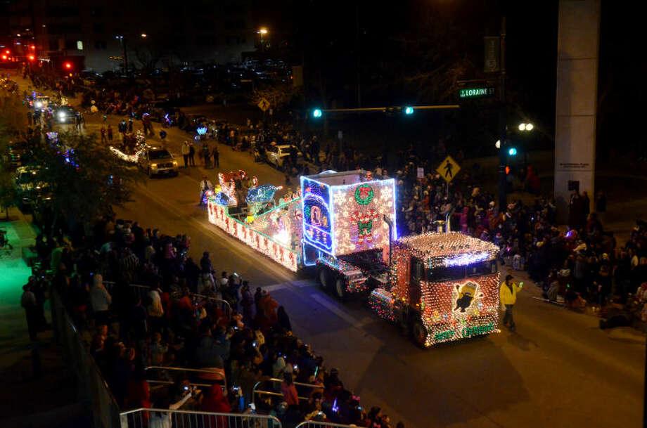 Parade of Lights and Centennial Park tree lighting, Dec. 14, 2013. James Durbin/Reporter-Telegram Photo: JAMES DURBIN