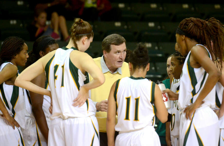 Midland College women's basketball head coach Ron Jones talks to his team during a time out against Clarendon College on Saturday at Chaparral Center. James Durbin/Reporter-Telegram Photo: James Durbin