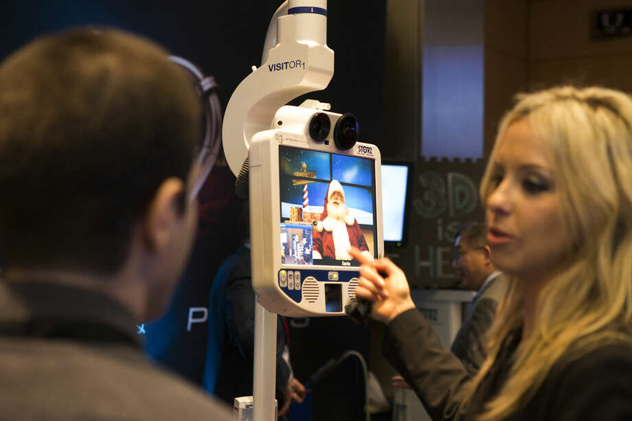 A video surgery machine is demonstrated during the 8th Pipes and Pumps conference at Houston Methodist Research Institute on Monday, Dec. 8, 2014, in Houston. The annual conference highlights crossover technologies between the medical, oil and gas, and space industries. ( Brett Coomer / Houston Chronicle ) Photo: Brett Coomer