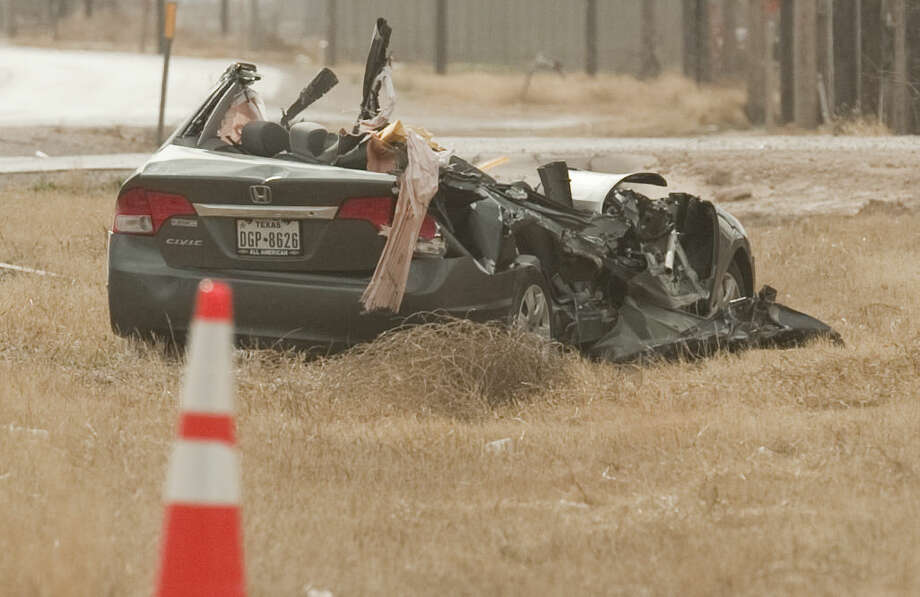 Midland police investigate a fatal accident Monday morning on 1788 about a mile south of 191. Tim Fischer\Reporter-Telegram Photo: Tim Fischer