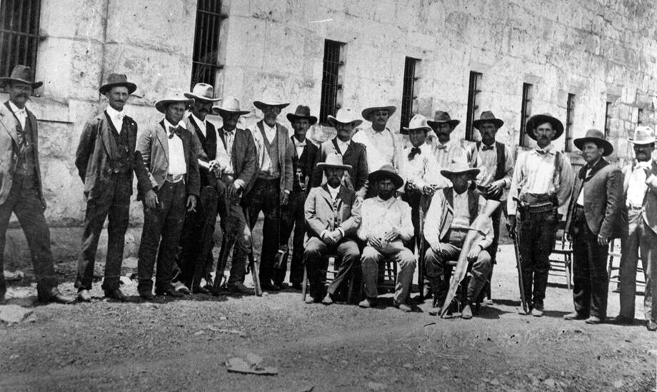 Gregorio Cortez, (seated center) with his guard. The photo is beleived to have been taken sometime around his capture June 22, 1901. Photo: /Baker Texas History Center / University of Texas at Austin