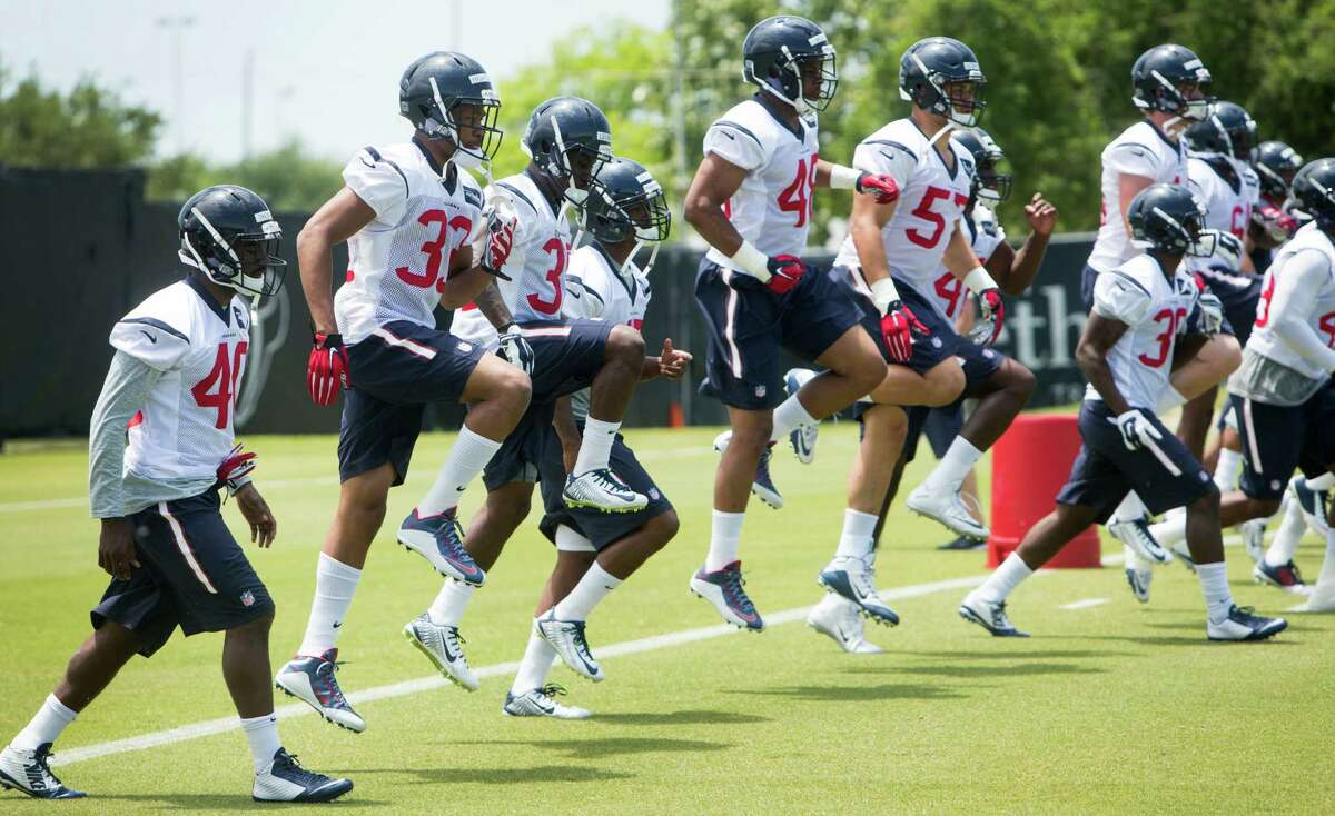 Houston Texans rookies warm up during rookie mini camp at The Methodist Training Center on Saturday, May 7, 2016, in Houston.