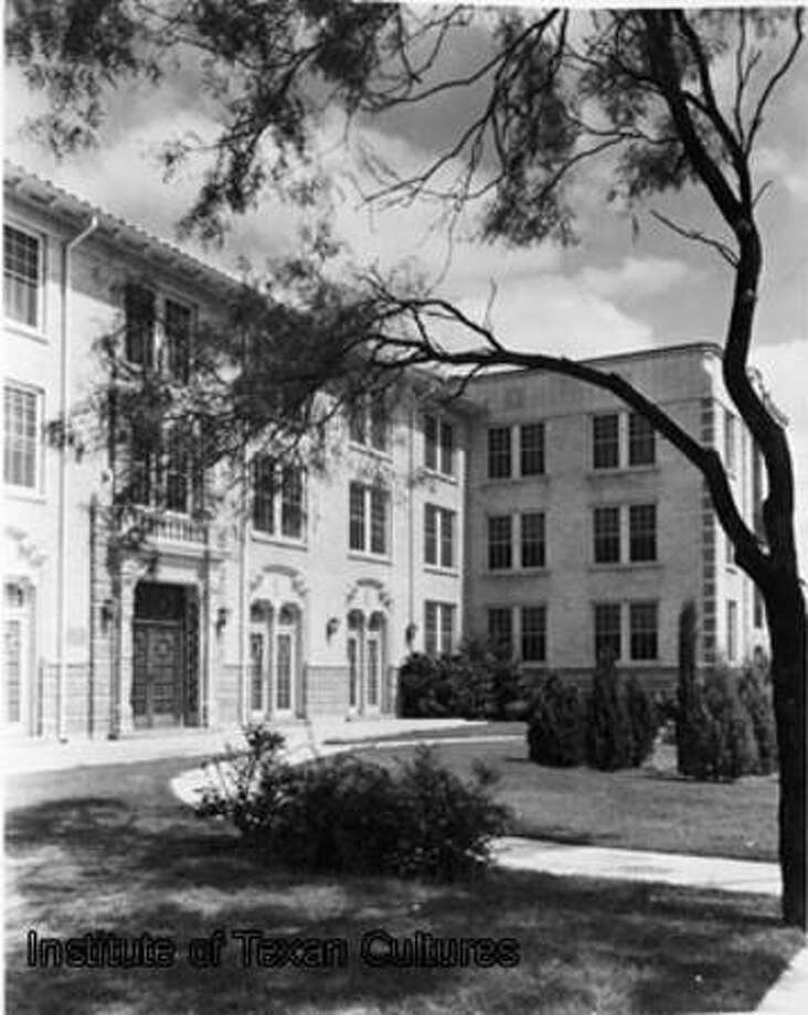 1926