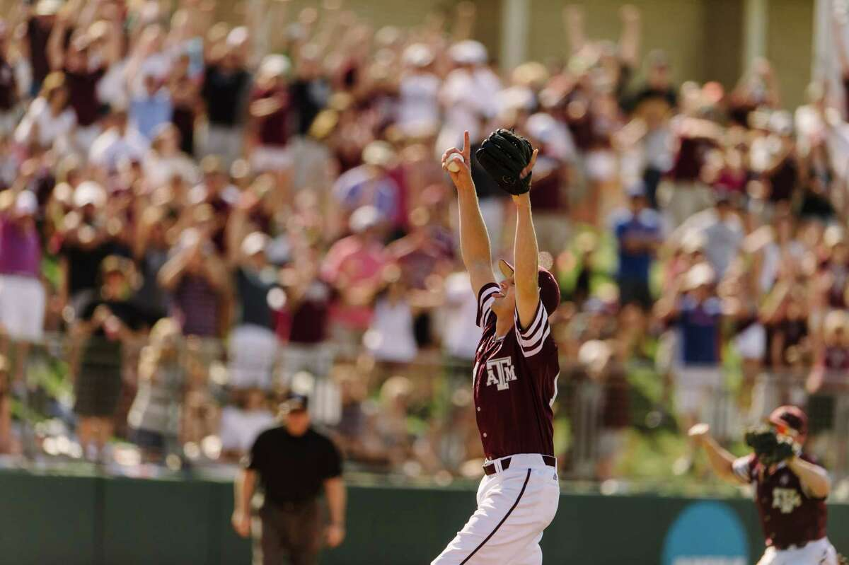 Texas A&tcher Kyle Simonds threw a no-hitter on Saturday, May 7 vs. Vanderbillt. Simonds threw the program?'s 12th no-hitter in history and ninth by an individual in the No. 2 Aggies?' 3-0 victory over No. 10 Vanderbilt on Saturday.