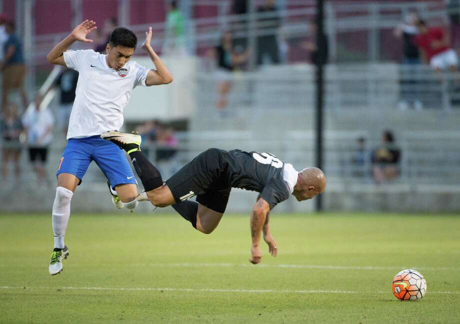 Image made during the first half of a USL soccer match between the Rio Grande Valley FC Toros and San Antonio FC, Saturday, May 7, 2016, at Toyota Field in San Antonio, Texas. (Darren Abate/USL) Photo: Darren Abate, STF / Darren Abate/USL / Darren Abate Media, LLC