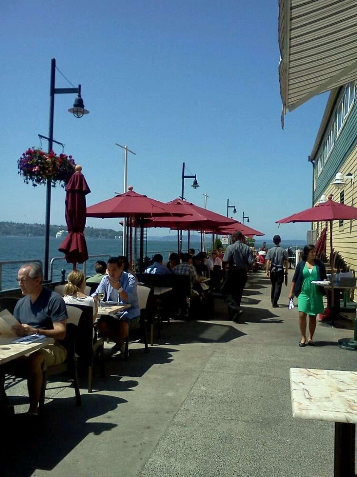 9. Elliott's Oyster House, 1201 Alaskan Way Pier 56, downtown waterfront