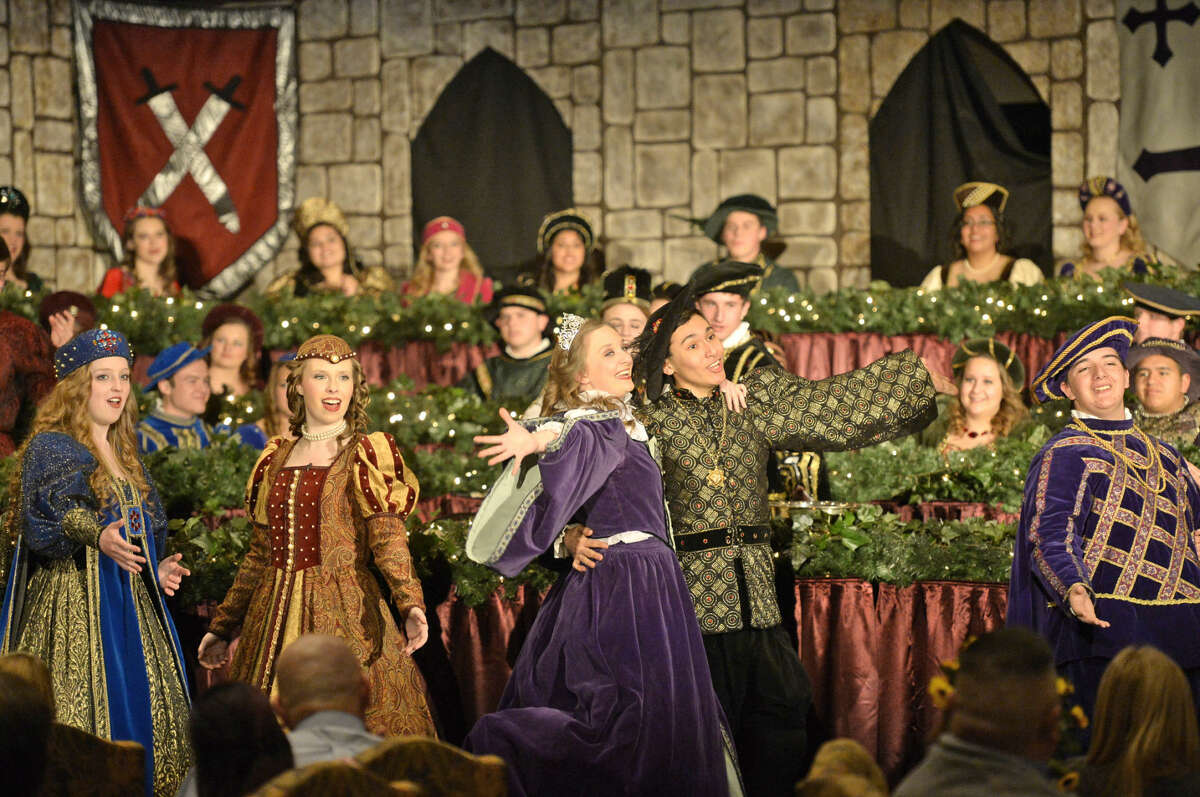 Lee High School choirs will recreate 16th century England for the 26th annual Renaissance Madrigal Dinner.