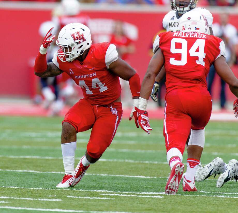 Houston's Elandon Roberts (44) celebrates on the field during the second quarter of an NCAA college football game Friday, Nov. 27, 2015, in Houston, Texas. Houston defeated Navy 52-31. (AP Photo/Juan DeLeon) Photo: Juan DeLeon, FRE / FR171058 AP
