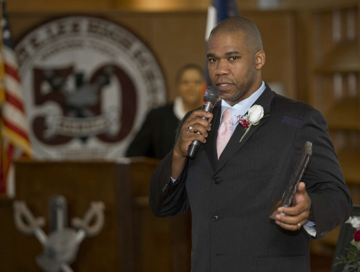 Dr. John Thurman, Jr., class of 1996, speaks Saturday 9-19-2015 after being inducted in the Lee Legacy Wall of Honor ceremony. Tim Fischer\Reporter-Telegram