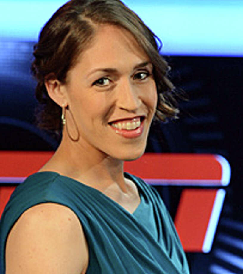Basketball Star Rebecca Lobo Headlines Fund Raiser For Danburys Anns Place