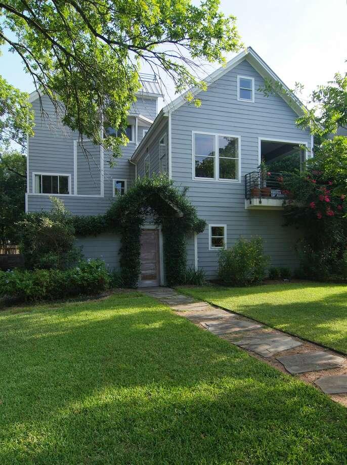 Home highlight houston architect scott ballard 39 s 3 for 46 bedroom house in texas