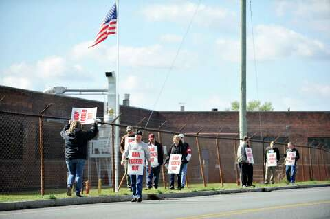 Honeywell locks out unionized Green Island workers after