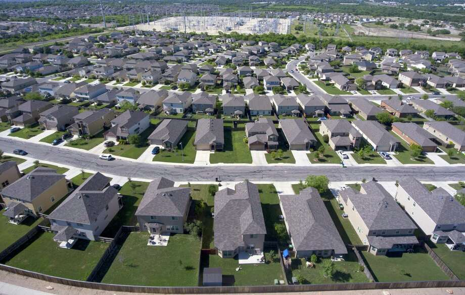 Refund Advisory Corp. has helped around 1,000 local homeowners file for homestead exemptions. In exchange, it wants to keep half of their value, which likely adds up to hundreds of thousands of dollars of taxpayer money. Photo: William Luther /San Antonio Express-News / © 2016 San Antonio Express-News