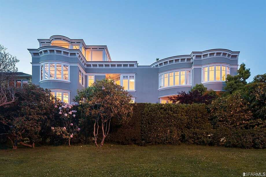 This grand Marina-style five-bedroom estate fronts the idyllic park surrounding San Francisco's Palace of Fine Arts. Photo: Jacob Elliott