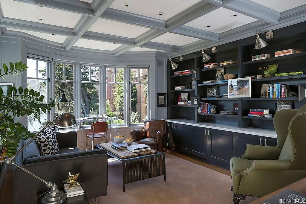 This grand Marina-style five-bedroom estate fronts the idyllic park surrounding San Francisco's Palace of Fine Arts.