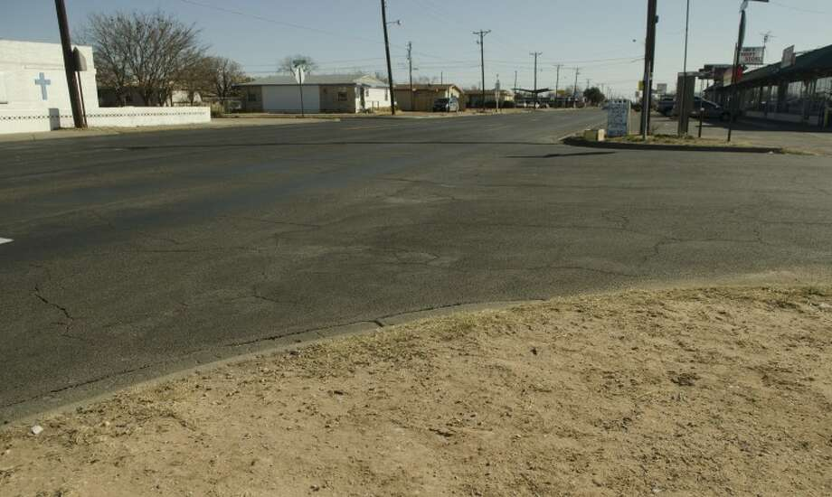 Businesses and homes along Lamesa Road will be a little inconvenienced as the city plans to expand the road and replace water lines. Photo by Tim Fischer/Midland Reporter-Telegram Photo: Tim Fischer