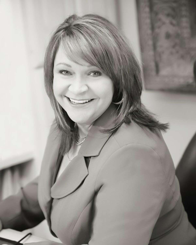 Jeaneen Pruitt, Broker/Associate, Pine & Beckett Realtors.