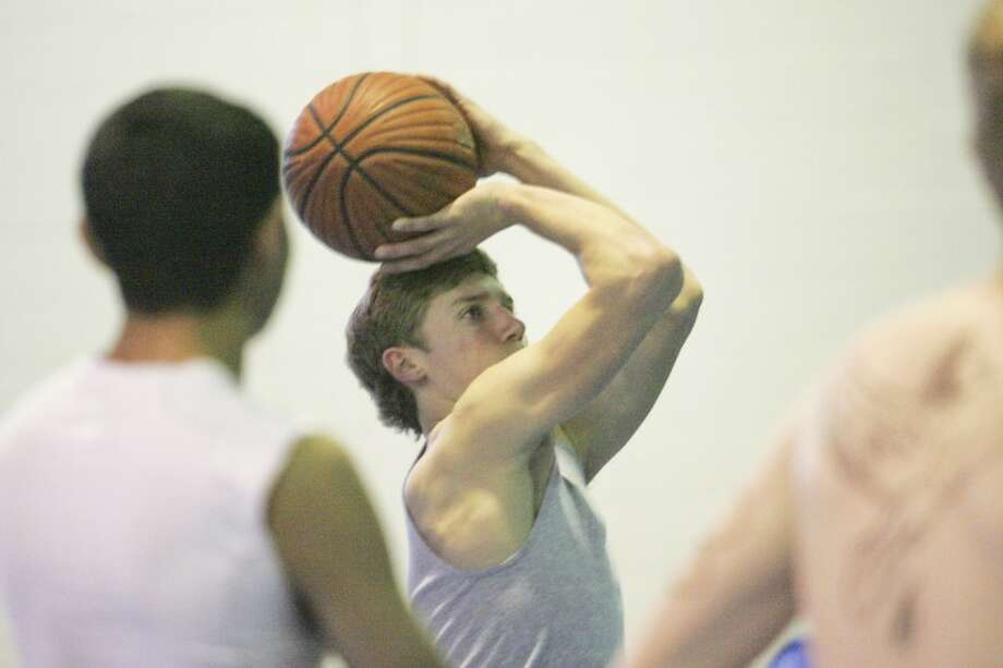 Thomas School shoots free throws during practice Wednesday at Trinity High School. Cindeka Nealy/Reporter-Telegram Photo: Cindeka Nealy