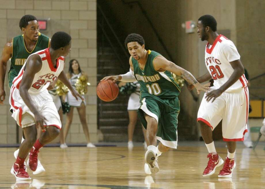 Midland College's Tre Bowman (10) dribbles the ball down the court in a game earlier this season at Chaparral Center. Cindeka Nealy/Reporter-Telegram Photo: Cindeka Nealy
