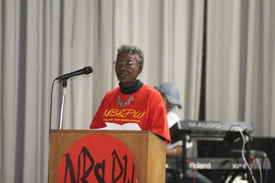 Mary Johnson gives a thank you speech after receiving the 2013 Martin Luther King Jr. Community Service Award Monday at Lee Freshman High School. Photo: Tyler White