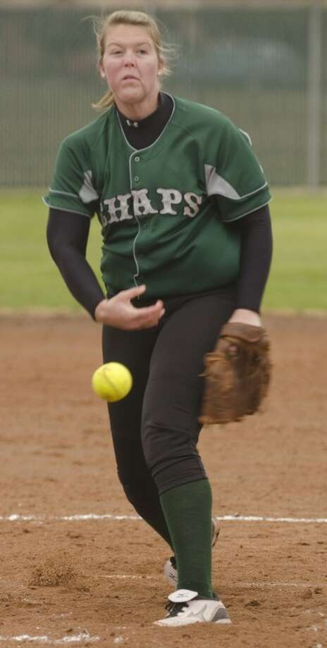 Midland College's Holly Herrington delivers a pitch Friday morning against Otero JC in the MC Spring Classic. Photo by Tim Fischer/Midland Reporter-Telegram Photo: Tim Fischer