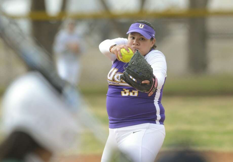 Las Adelitas pitcher Marisol Herfoia winds up to throw a pitch Friday during their game against Western Texas at Freddie Ezell Softball Complex. Cindeka Nealy/Reporter-Telegram Photo: Cindeka Nealy