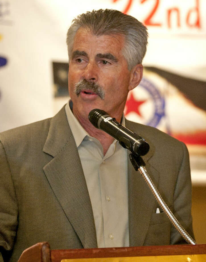 Retired MLB first baseman Bill Buckner speaks during the RockHounds Mid-Winter Sports Banquet Wednesday at Midland Country Club. James Durbin/Reporter-Telegram Photo: JAMES DURBIN