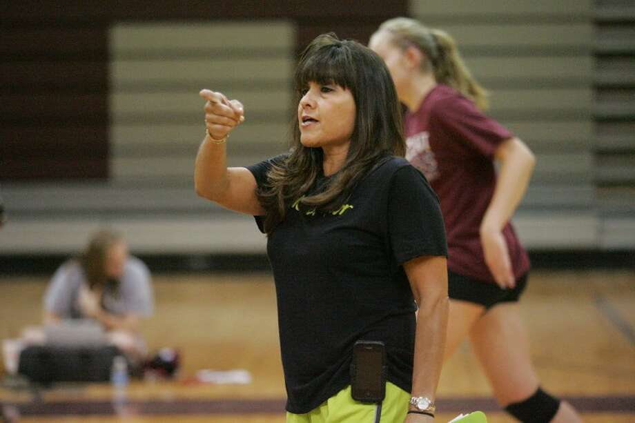 Lee Volleyball Coach Diane Sandoval runs her team through offensive and defensive drills Wednesday during practice at Lee High School. Cindeka Nealy/Reporter-Telegram Photo: Cindeka Nealy