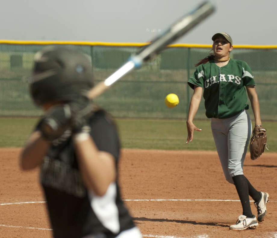 Midland College's Kristine Vargas delivers a pitch to Clarendon's Jazmine Aguilar Friday afternoon at MC. Tim Fischer\Reporter-Telegram Photo: Tim Fischer