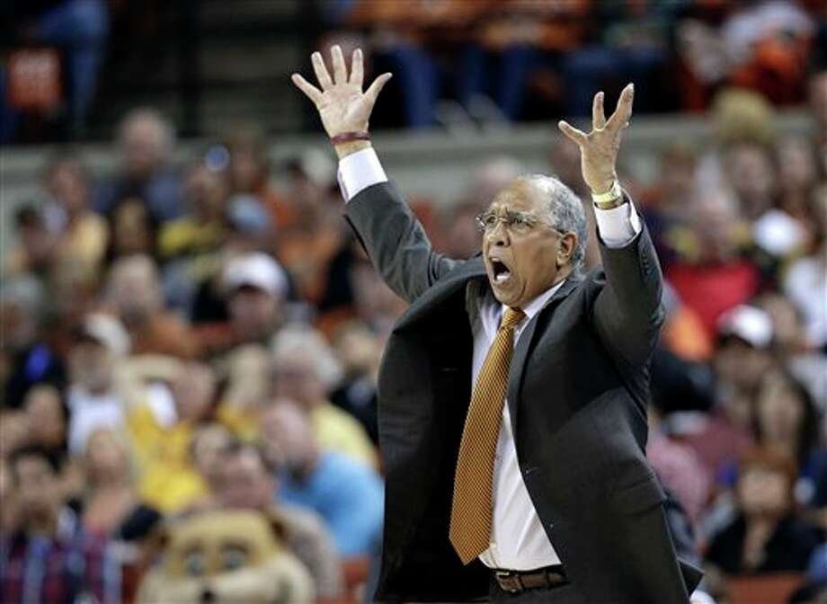 Minnesota coach Tubby Smith reacts to a foul call during the second half of a third-round game against Florida in the NCAA college basketball tournament Sunday, March 24, 2013, in Austin, Texas. Florida defeated Minnesota 78-64. (AP Photo/David J. Phillip) Photo: David J. Phillip / AP