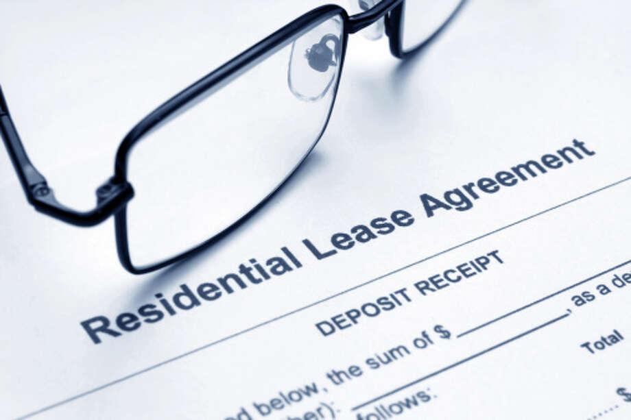 Residential lease agreement / iStockphoto