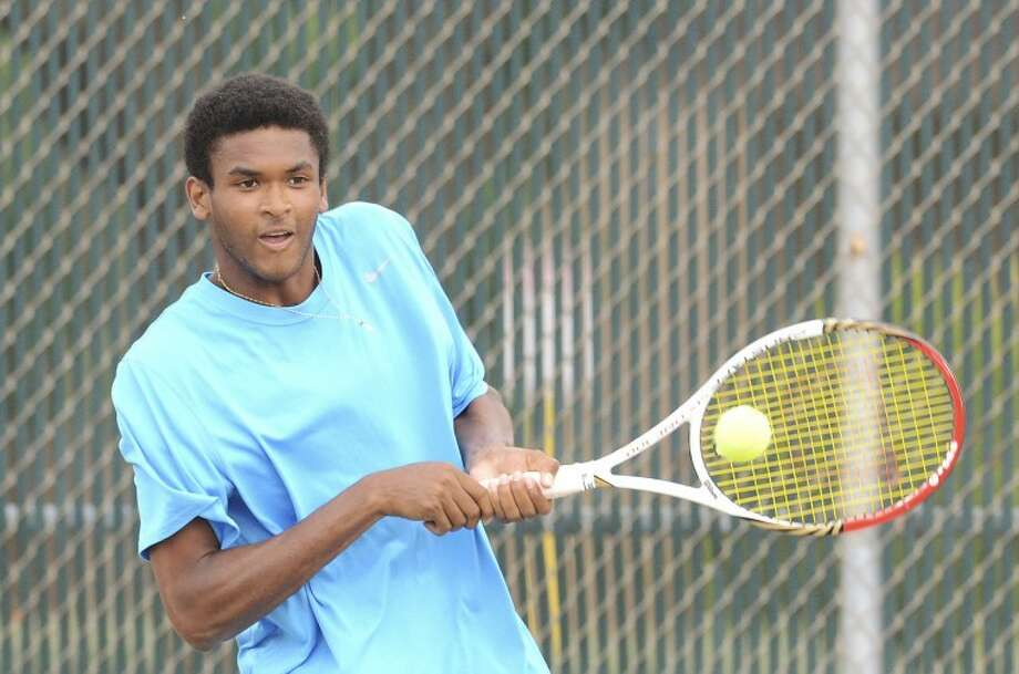 Charles Boyce returns the ball during a finals match against Alex Giannini, Monday during the USTA 18s National Open at Midland College. Cindeka Nealy/Reporter-Telegram Photo: Cindeka Nealy