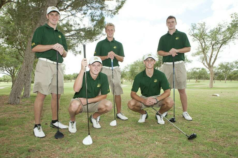 Midland College golfers Blake Brorman, from left standing, Luke Richardson, Paul Simpson, and kneeling, Richie Farmer and Tyson Turnbow are heading to nationals. Cindeka Nealy/Reporter-Telegram Photo: Cindeka Nealy
