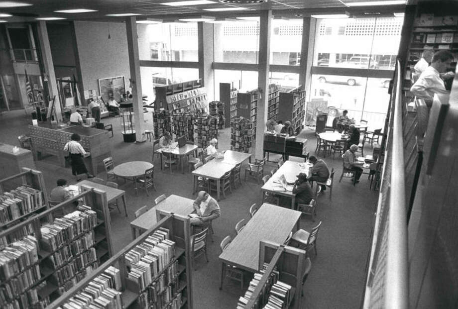 A picture of the Midland County Public Library Downtown Branch on March 27, 1991. Photo: Curt Wilcott/MRT