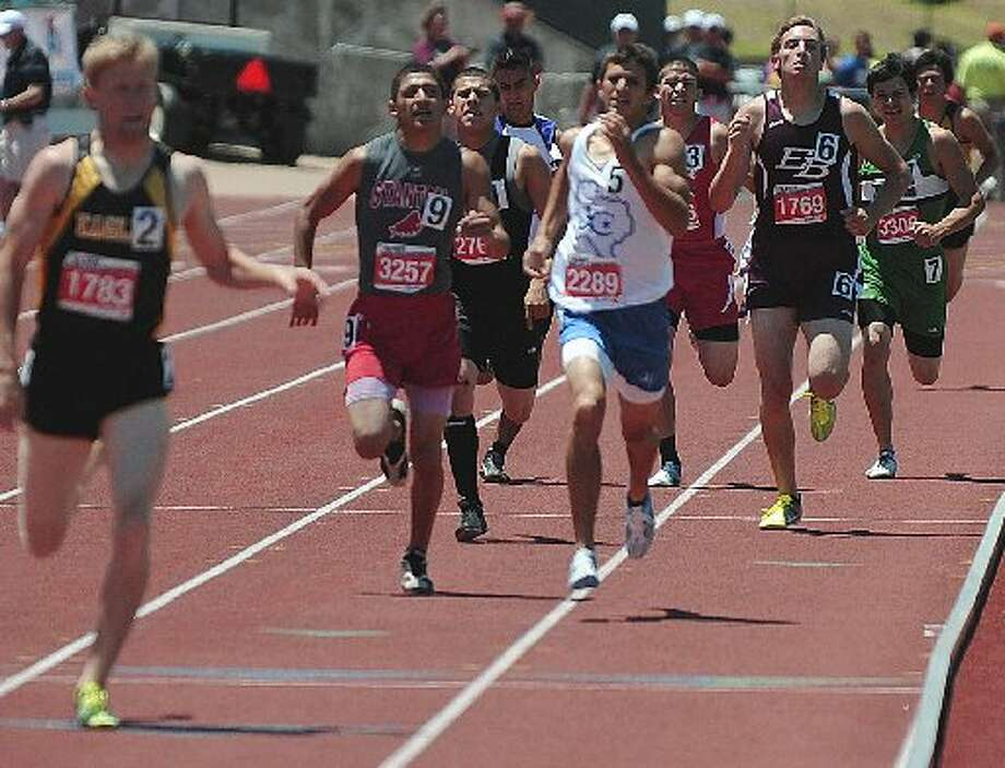 (UIL Track File Photo) Dr. Wade H. Clay/Special to the MRT FINAL STRETCH RUN Stanton's Adam Montez (3257) fights to the finish in the 800-meter run Saturday at Mike A Myers Stadium in Austin. Montez finished third. Photo: Dr. Wade H. Clay