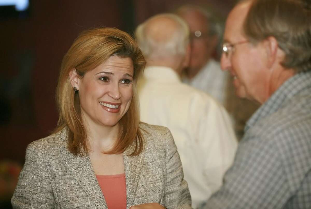 Heidi Cruz talks to Ned Luscombe during a campaign stop for her husband, U.S. Senate candidate Ted Cruz, Monday at Gerardo's Casita.