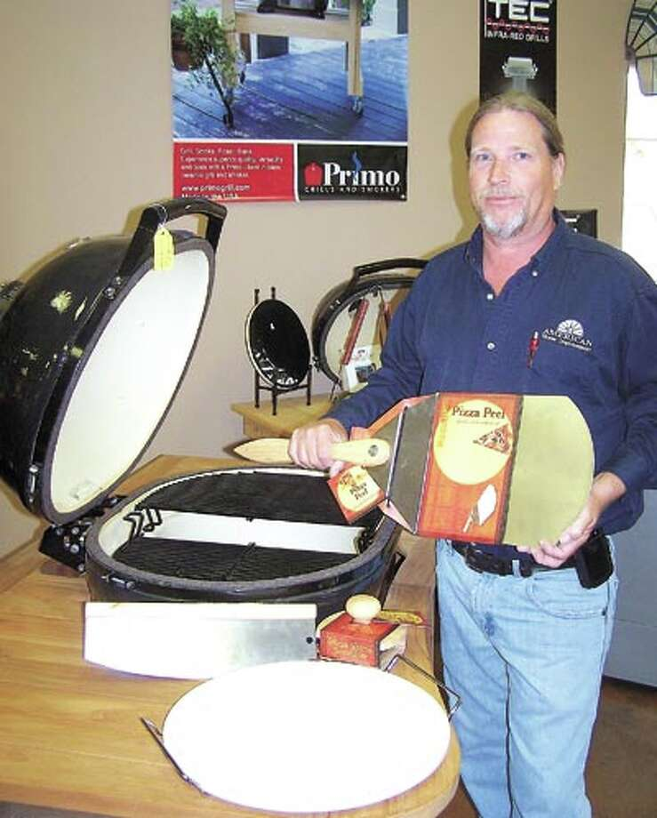 Pizza on the grill? With a Primo grill, Primo lump charcoal and the right accessories, American Home Improvement's Vincent Miles says it's a flavor you'll want again and again!