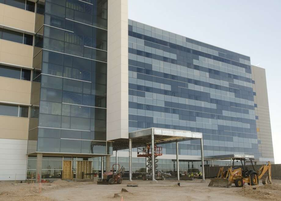 The Abell-Hanger Foundation on Tuesday made the final payment on its $7 million pledge to the patient tower at Midland Memorial Hospital. Photo: Tim Fischer/Reporter-Telegram
