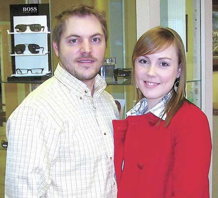 Dr. Blake Golson and his wife, Dr. Heather Kern Golson, invite you to visit their spacious new frame center, adjacent to their existing office in the Oak Ridge Square.