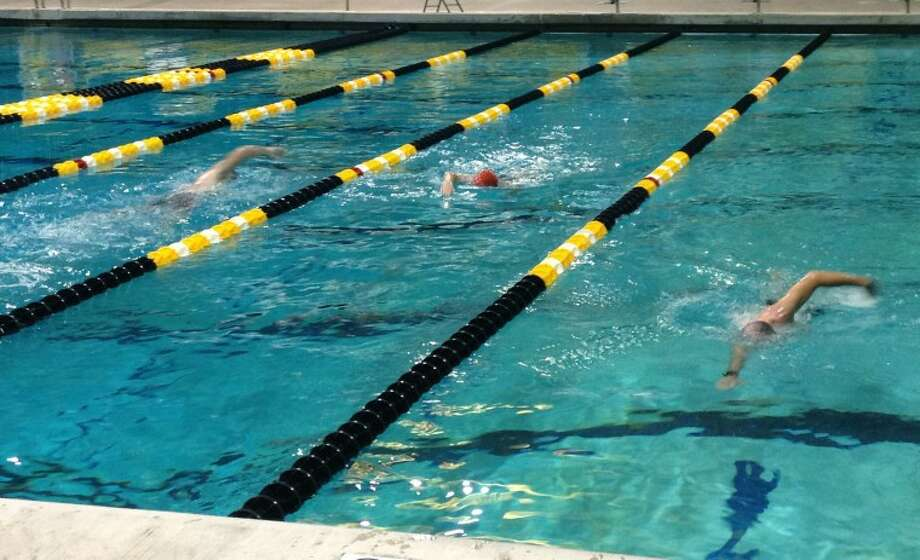 Midlanders swim Tuesday morning at COM as they prepare for the upcoming triathalon. Photo by Audrie Palmer