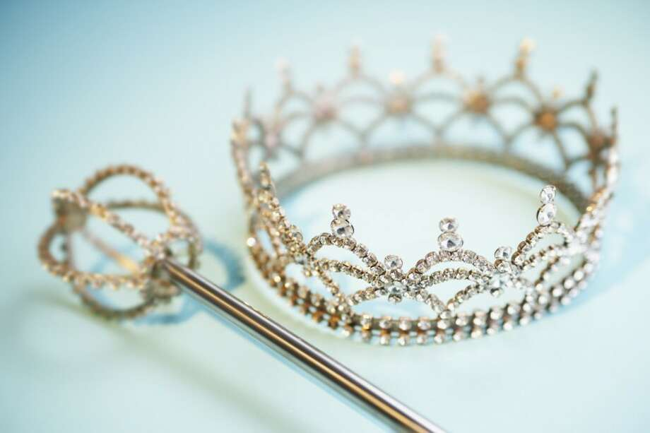 Crown and Scepter Photo: Fuse