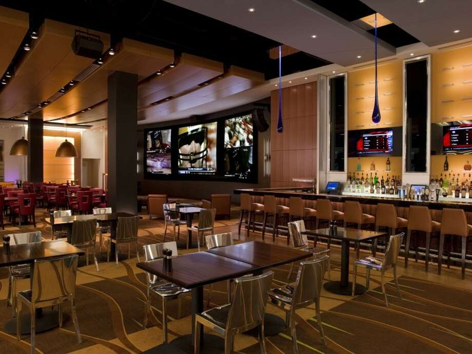 National Pastime Sports Bar and Grill at the Gaylord Resort Photo: Courtesy Of Gaylord Resort