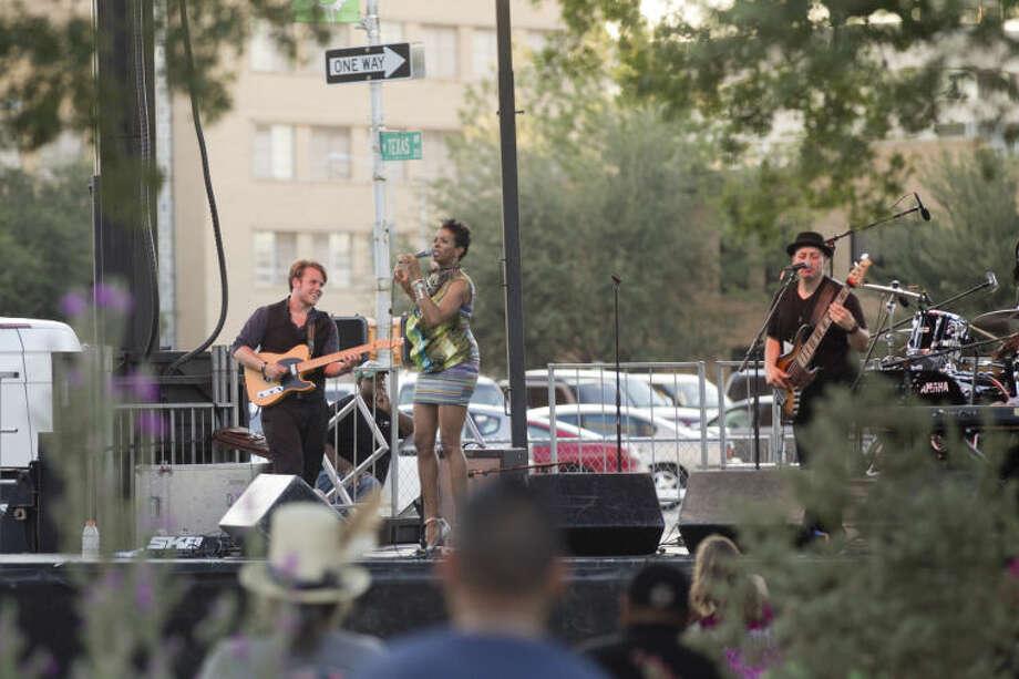 Tall City Blues Fest 2013 at Centennial Plaza. James Durbin/Reporter-Telegram Photo: JAMES DURBIN