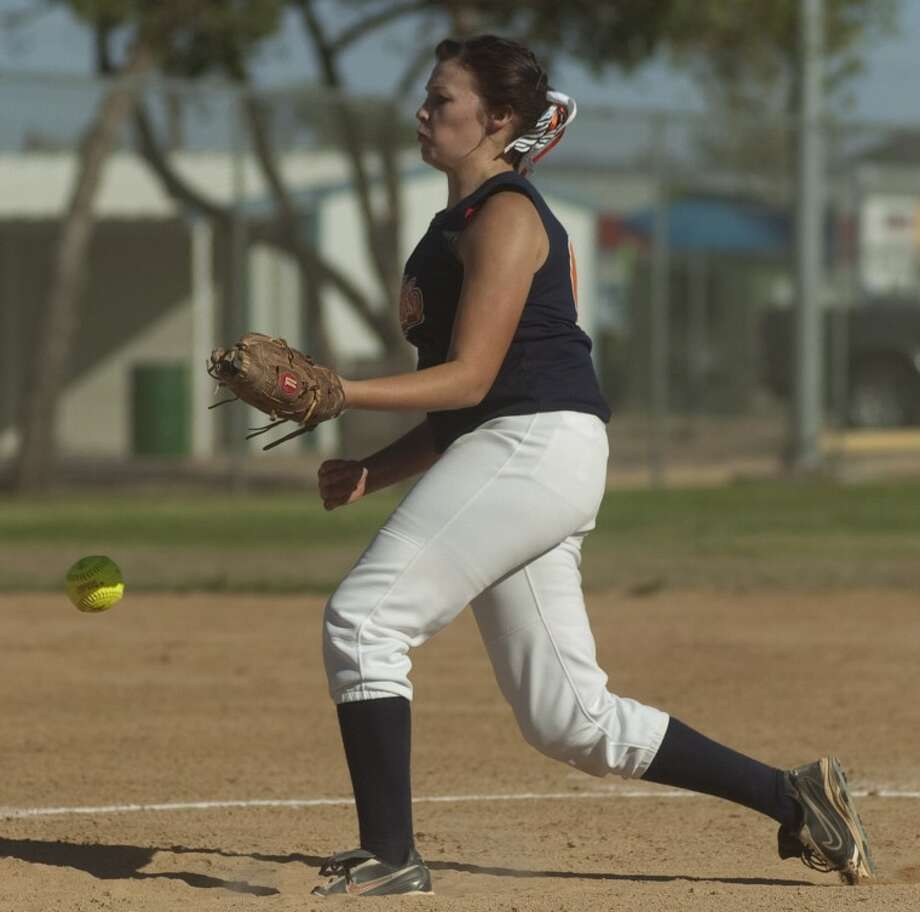 Chaos pitcher Kyla Clanton fires one toward home Tuesday as she and fellow West Texas teammates play against the St. Louis Angels in the ASA National Tournament at Freddie Ezell Softball Complex. Photo: Tim Fischer/Reporter-Telegram