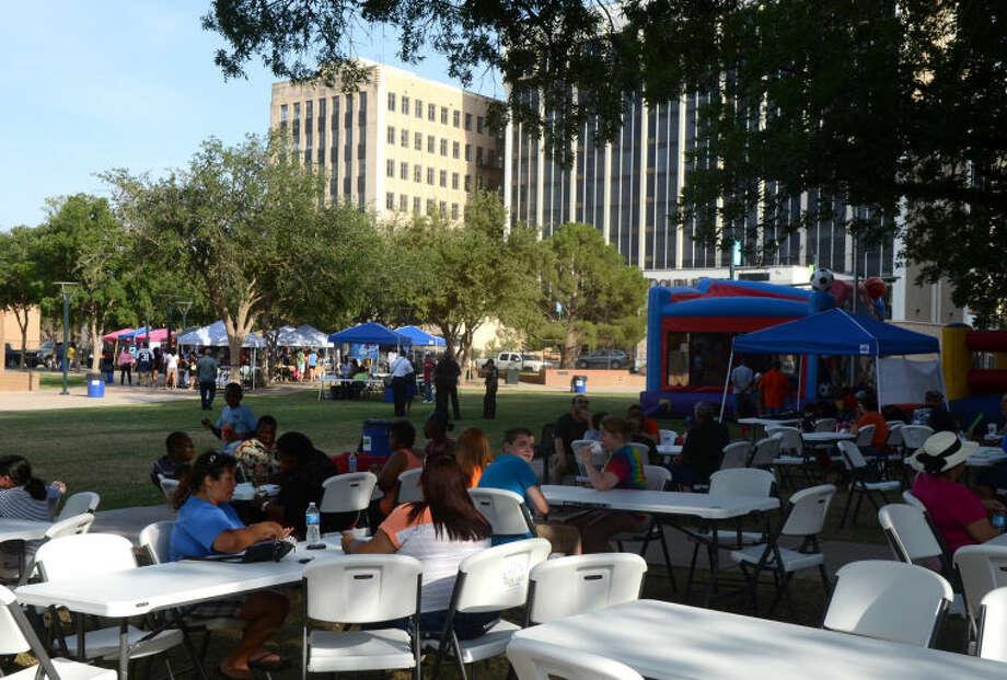 Rogers Ford Viva Midland Mercado on the Plaza event Saturday at Centennial Plaza. James Durbin/Reporter-Telegram Photo: JAMES DURBIN